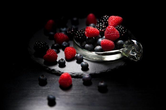 Dark Mood Food 2986532 960 720 696x464