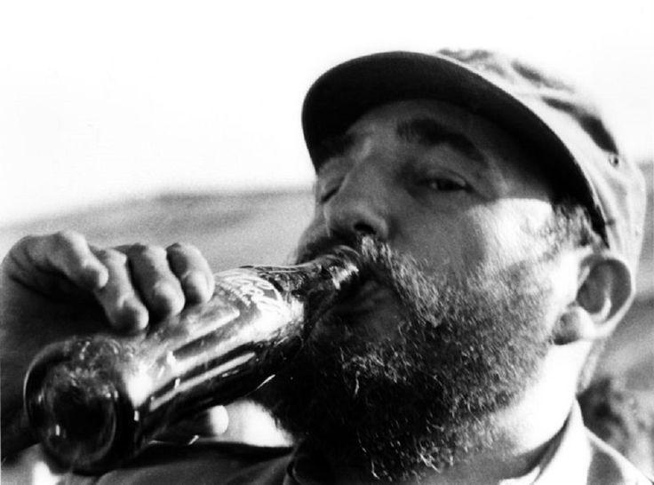 104e5d7f1c3f4e02e40a97fb05808018 Fidel Castro Cola