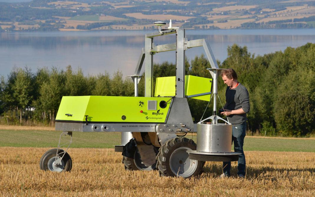 Adigo Field Flux Robot 1600x1000 1068x668