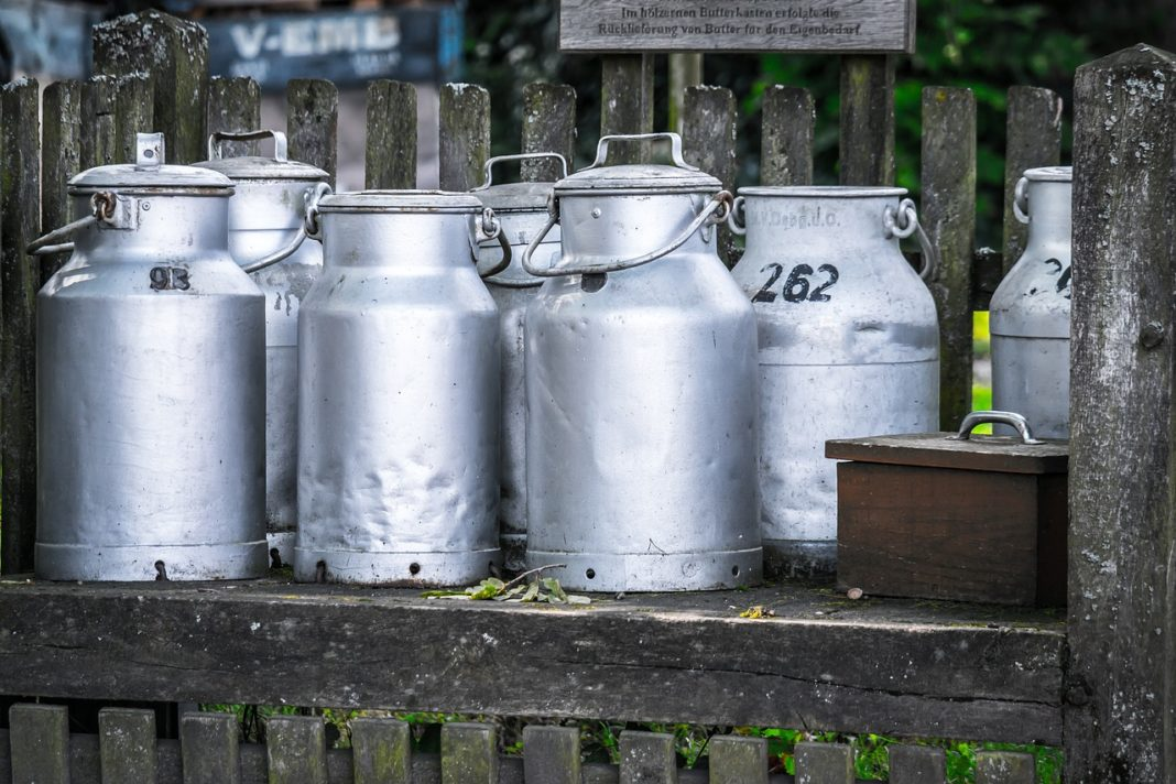 Milk Cans 1659157 1280 1068x712