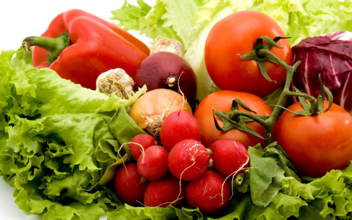 Food Differring Meal Fresh Vegetables 033193 696x435