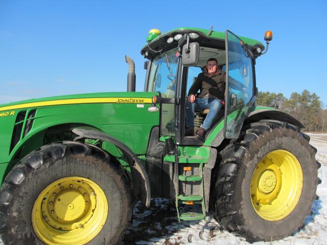 Traktoristi Z Luhanskoi Oblasti Pokrashchuvali Nav20190208 8171