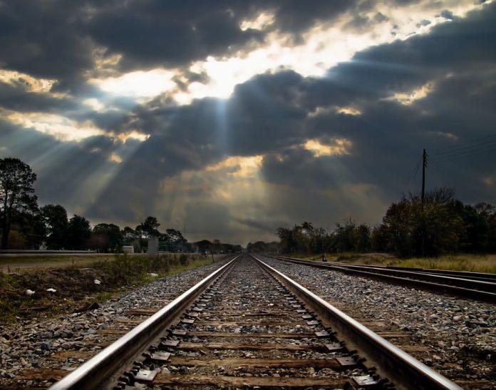 Biznes Zaklykaye Pryshvydshyty Rozglyad Zakonu Pro Zaliznychnyj Transport