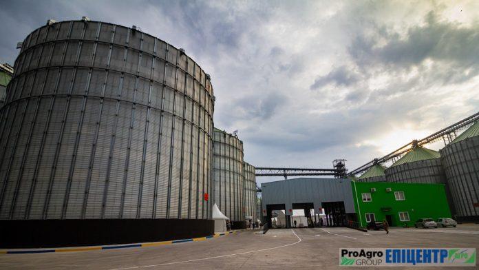 Vinnytskyj Elevator Agroholdyngu Epitsentr Agro Stav Najbilshym Linijnym Elevatorom Na Pravoberezhzhi Ukrayiny