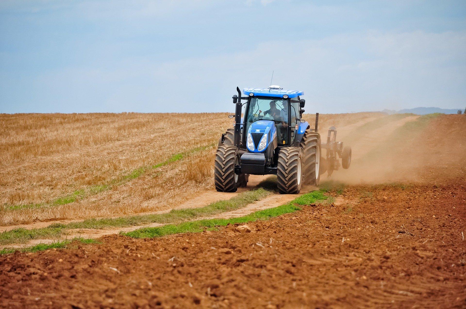 Na Hmelnychchyni Zgoriv Traktor Mtz 80